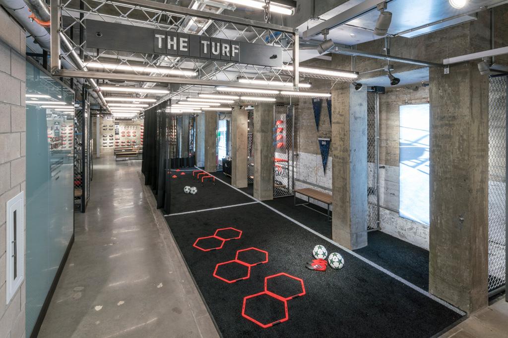 Productivo igual el plastico  Why Adidas Built Its NYC Megastore on Fifth Avenue [PHOTOS] – Footwear News