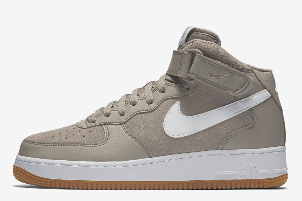 Nike Air Force 1 Mid 07