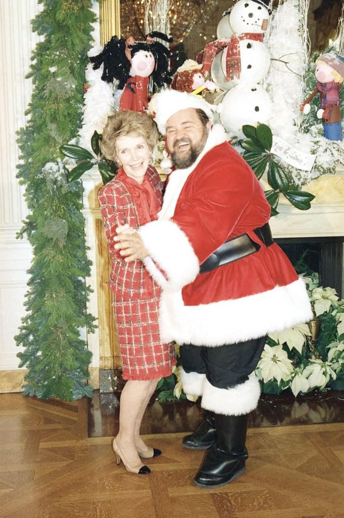 nancy reagan white house christmas photo