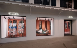 Chanel ephemeral boutique, Courcheval.