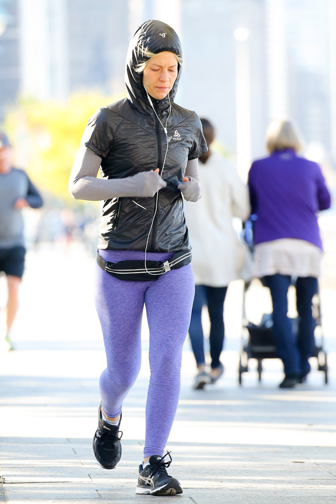 Claire Danes Running