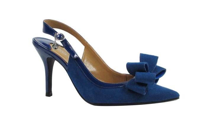 Wide width dress shoes