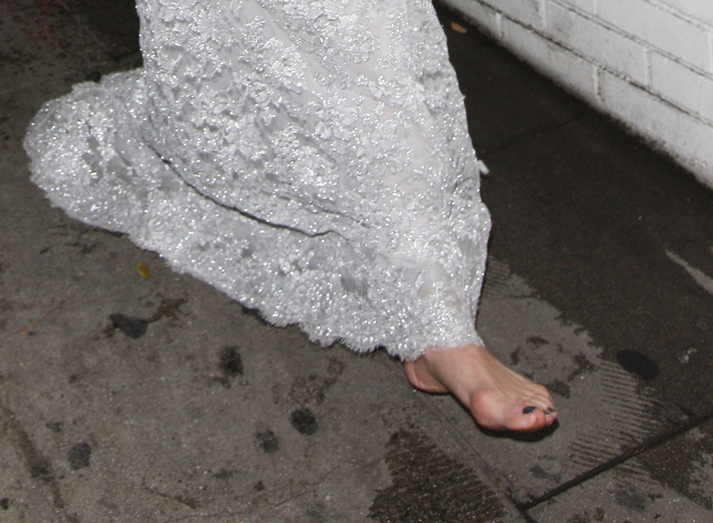 Malin Akerman Barefoot