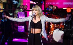 Taylor Swift New Year's Eve
