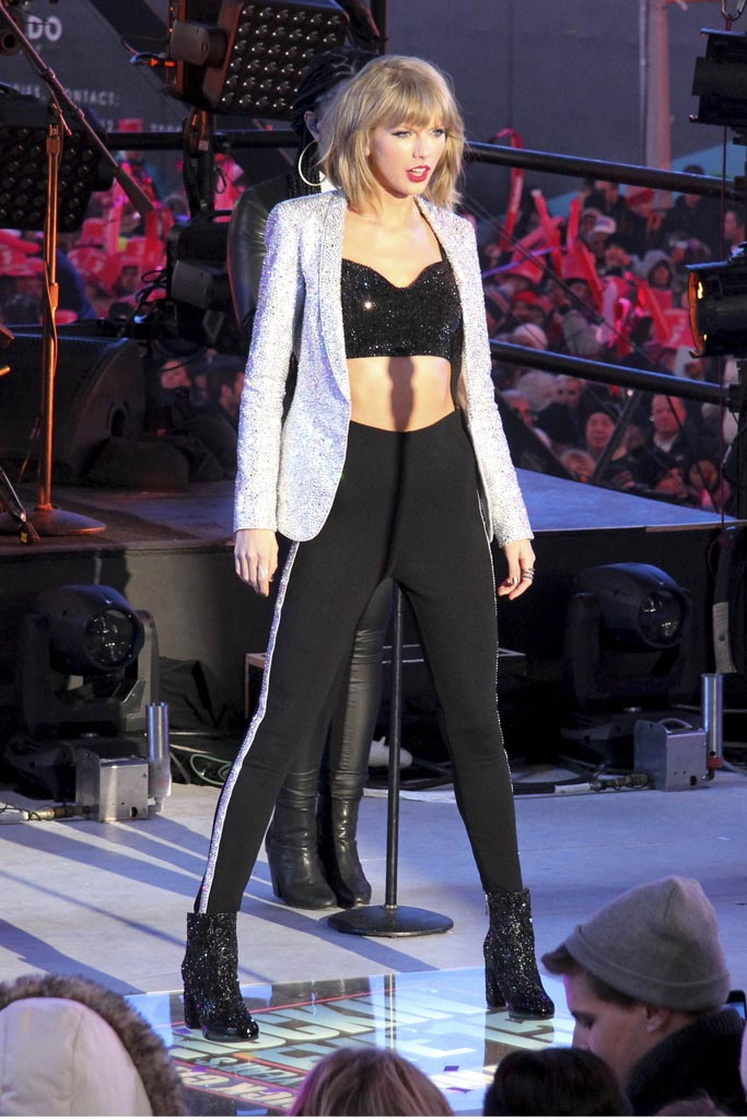 Taylor Swift New Year's Eve 2014