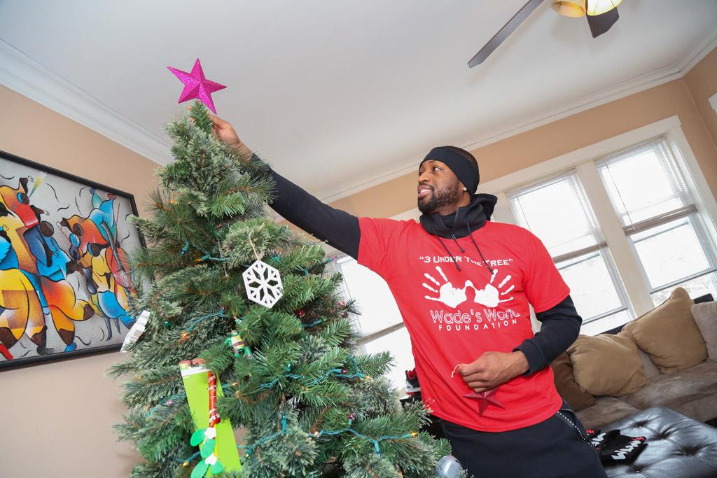Dwyane Wade christmas charity