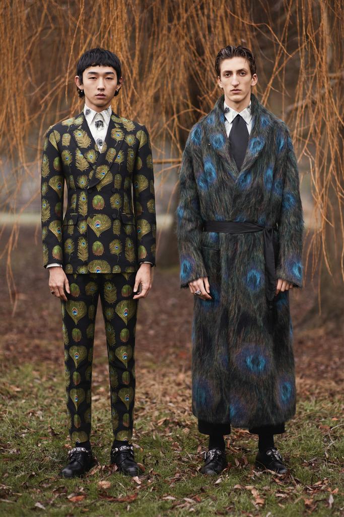 Alexander McQueen fall '17 collection.