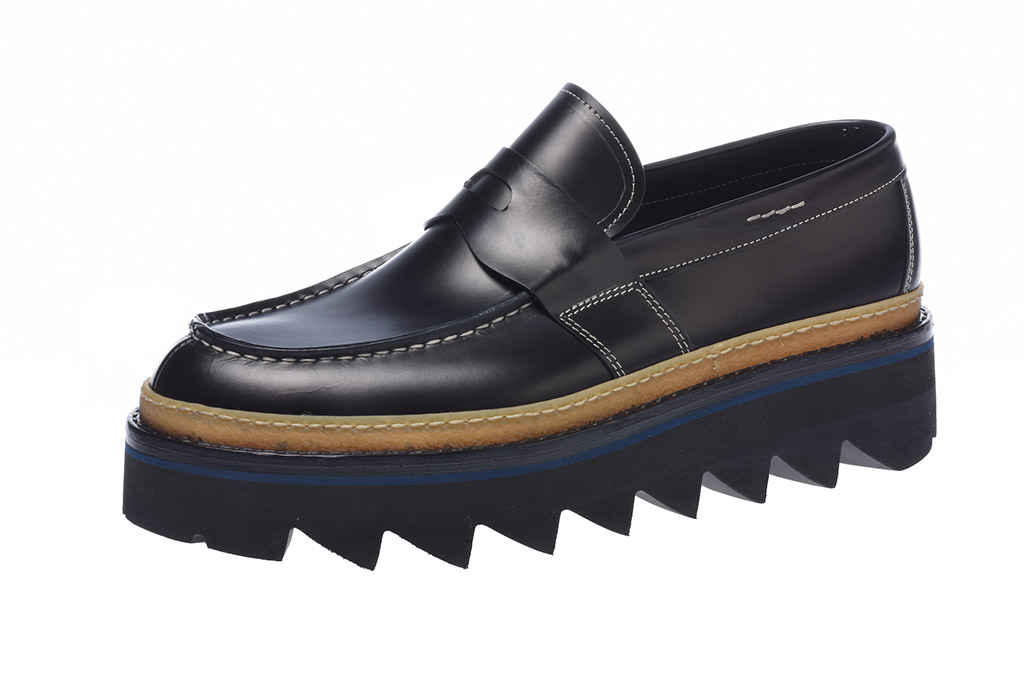 Baldinini lug sole loafer.