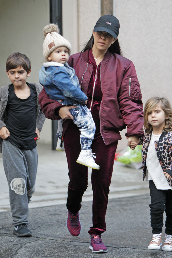 kourtney-kardashian-family-1
