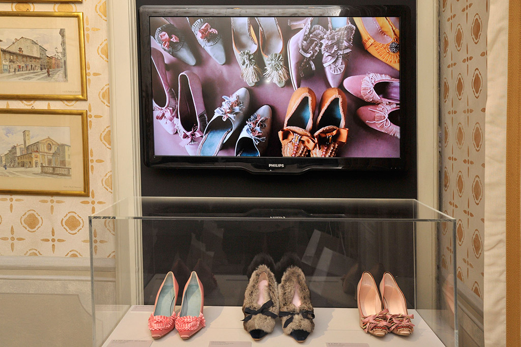 """Manolo Blahnik. The Art of Shoes"""
