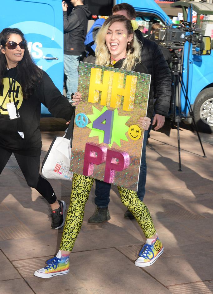 miley cyrus trump protest womens solidarity march