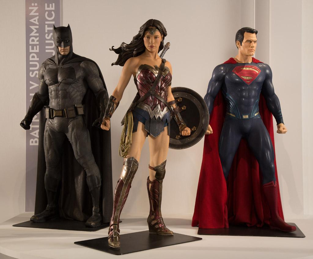 batman movie costumes superman wonderwoman