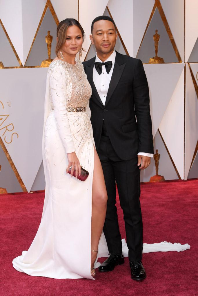 Chrissy Teigen John Legend Oscars 2017 Red Carpet