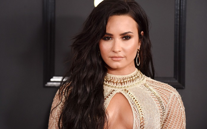 Demi Lovato Grammys Red Carpet 2017