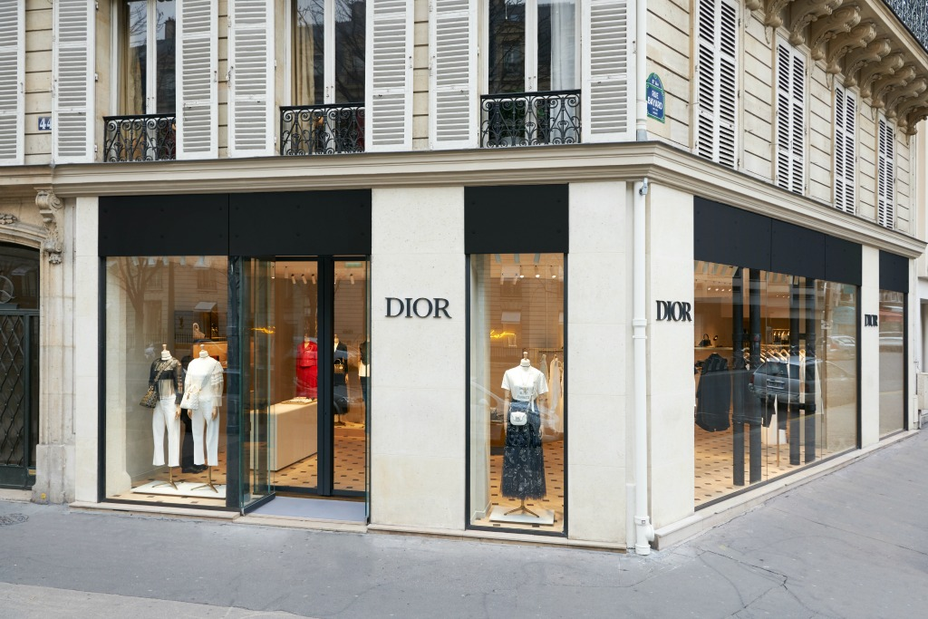 dior pop-up in paris