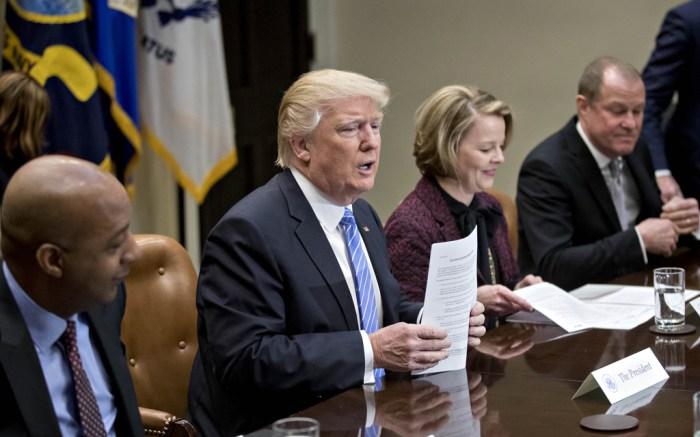 president-donald-trump-retail-ceos