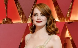Emma Stone Oscars 2017 Red Carpet