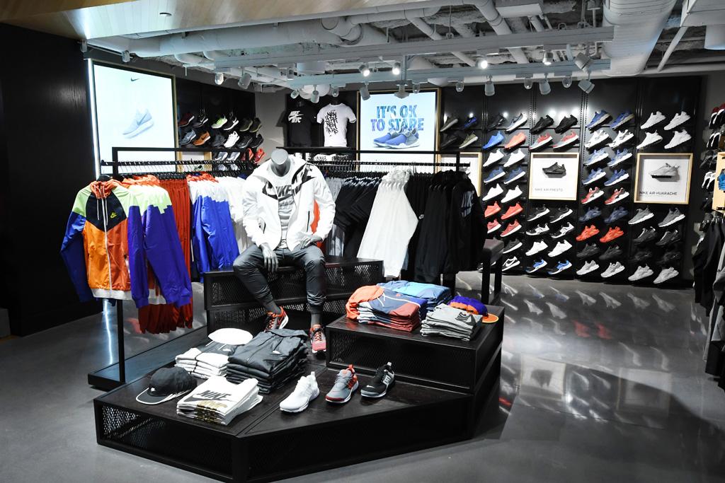Nike Sportswear Foot Locker Times Square