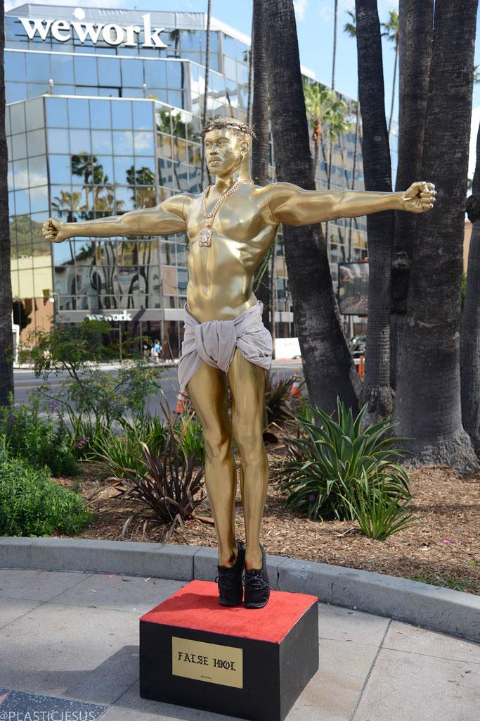 Kanye West Statue L.A.
