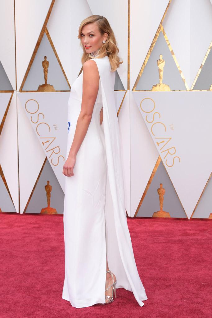 Karlie Kloss Oscars 2017 Red Carpet