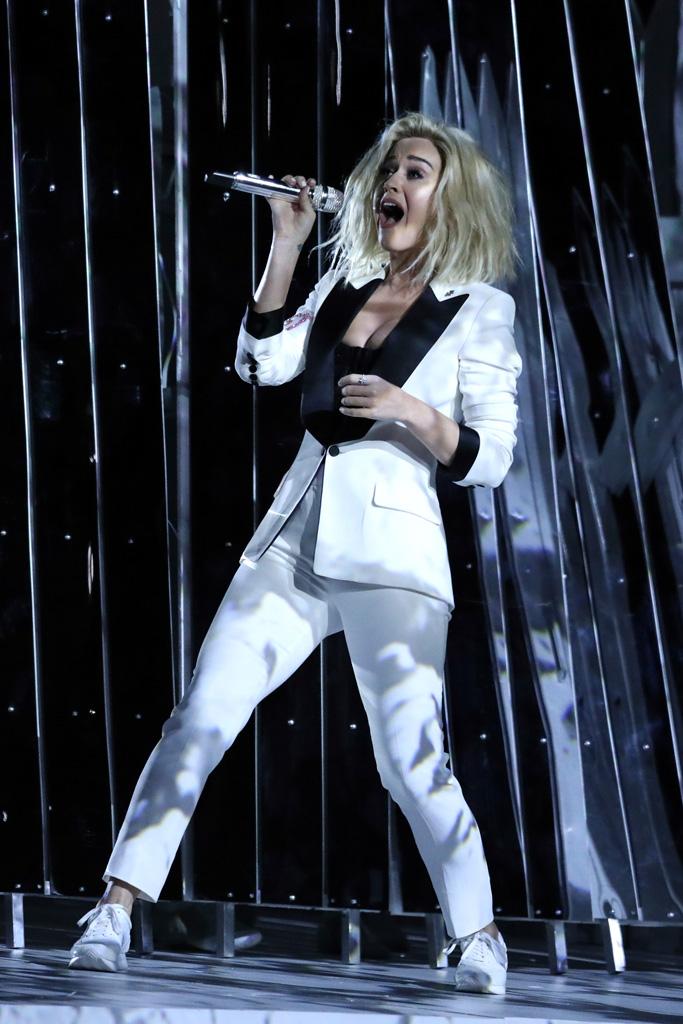 Katy Perry 2017 Grammys Performance