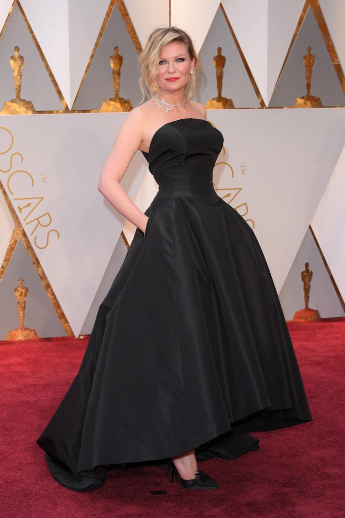 Kirsten Dunst Oscars 2017 Red Carpet