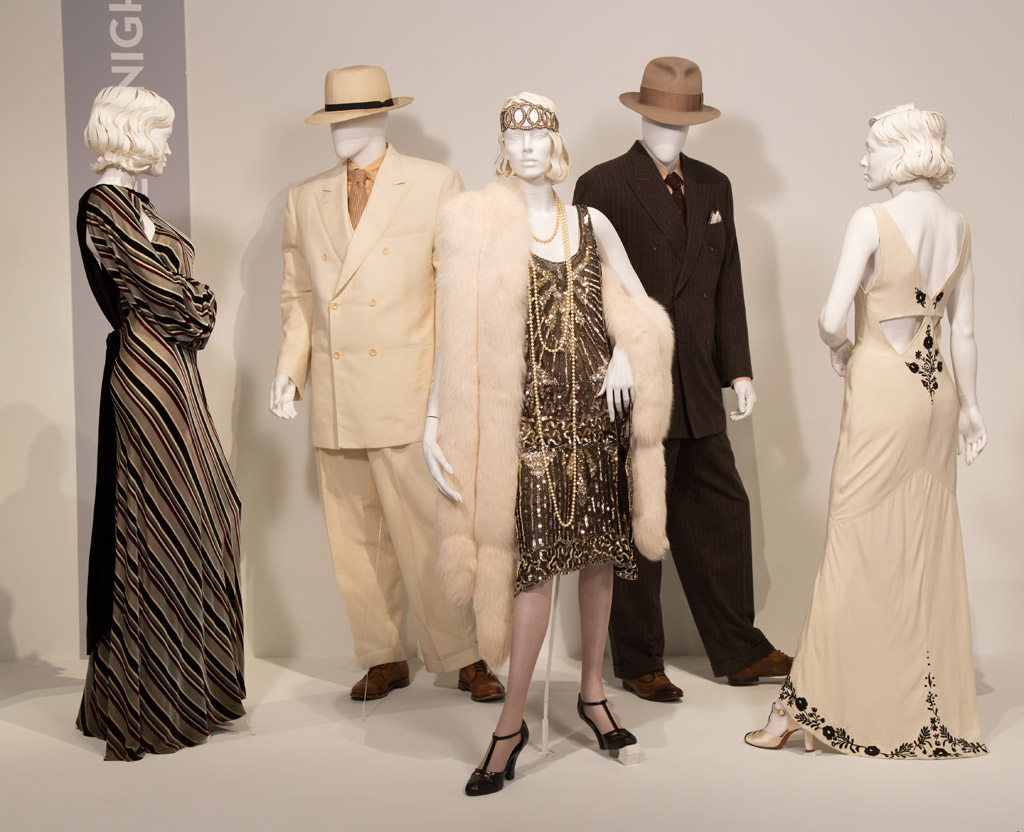 live by night movie costumes