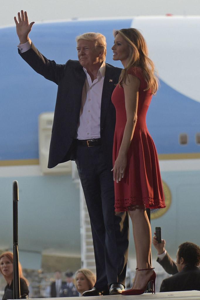 donald trump melania red pumps make america great again