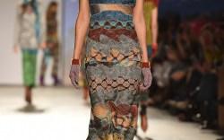 Legwear Trend: Colorful Stems