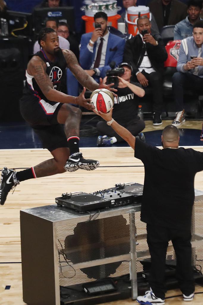 DeAndre Jordan in the Nike Zoom Rev 2017.