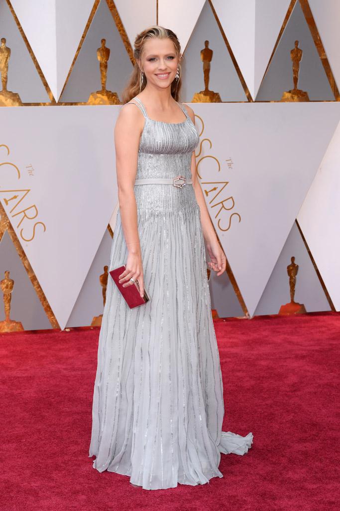 Teresa Palmer Oscars 2017 Red Carpet