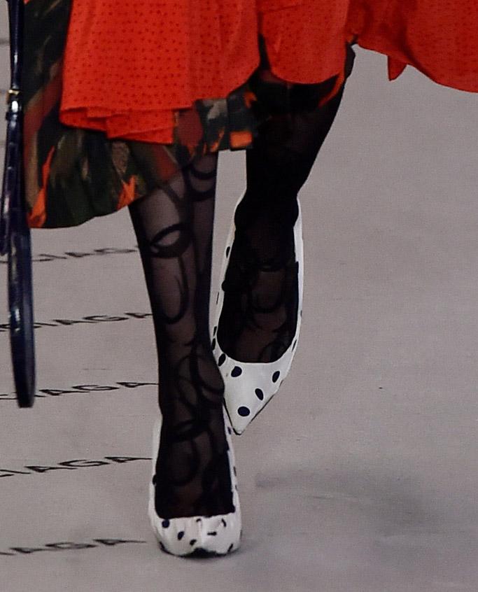 balenciaga ready to wear fall 2017 paris fashion week