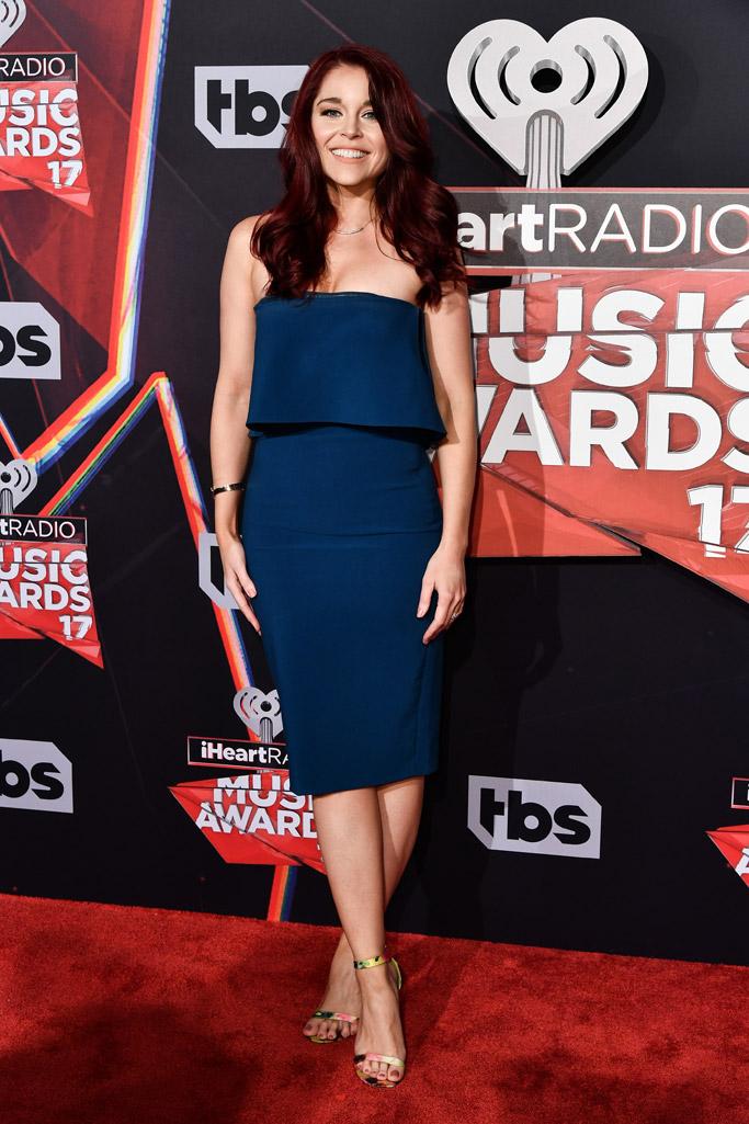 erin robinson 2017 iHeartRadio Music Awards red carpet sandals