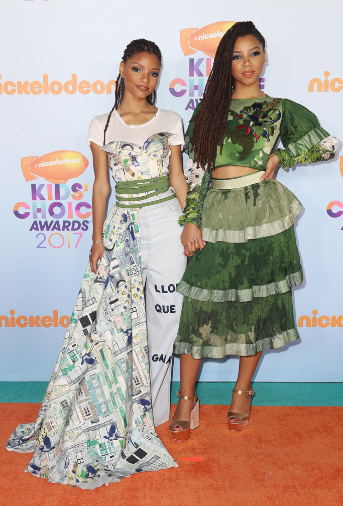 Chloe Halle Bailey nickelodeon kids choice awards red carpet 2017