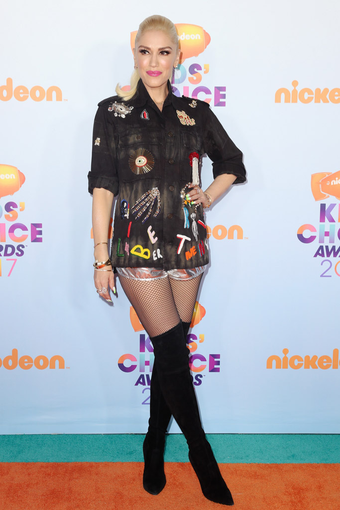 gwen stefani nickelodeon kids choice awards red carpet 2017