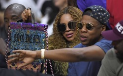Beyoncé & Jay Z: L.A. Clippers Game Style