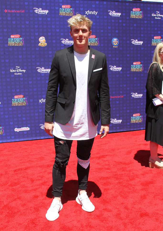 2017 radio disney music awards red carpet fashion outfits style shoes jake paul rdma