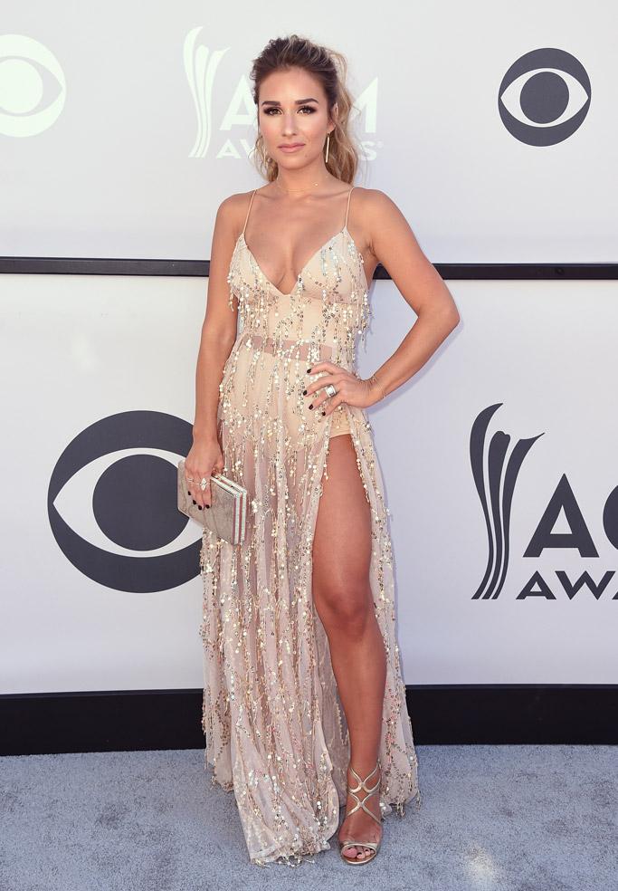 jessie james decker red carpet acm awards 2017
