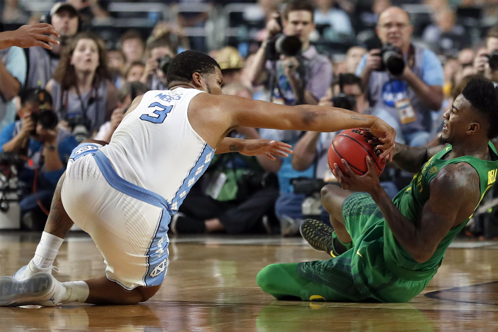 Copyright 2017 The Associated Press. All rights reserved. This material may not be published, broadcast, rewritten or redistributed without permission.Mandatory Credit: Photo by AP/REX/Shutterstock (8561410cf)North Carolina's Kennedy Meeks (3) battles for the possession of the ball against Oregon's Jordan Bell during the second half in the semifinals of the Final Four NCAA college basketball tournament, in Glendale, ArizFinal Four Oregon North Carolina Basketball, Glendale, USA - 01 Apr 2017
