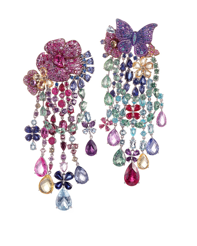 A piece from the high jewelry collection.