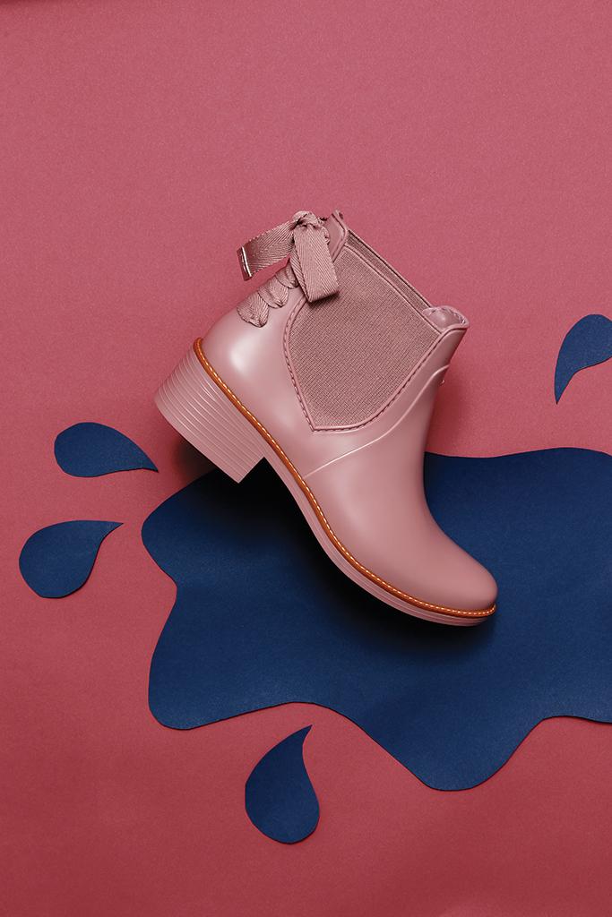 Bernardo paige rainboot shoe of week