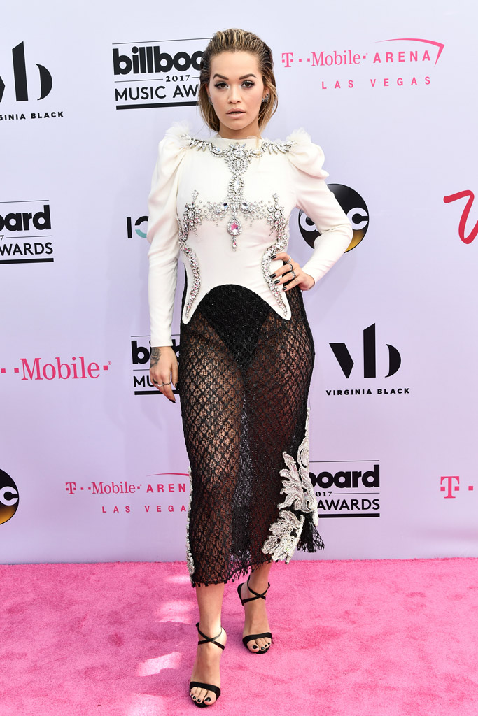 Rita Ora, billboard music awards, red carpet, 2017, celebrities, fashion, style, dress, shoes, sandals, feet