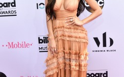 2017 Billboard Music Awards: Red Carpet Style