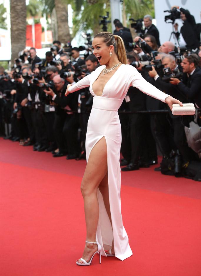 Petra Nemcova, cannes film festival 2017, wardrobe malfunction, sandals, dress