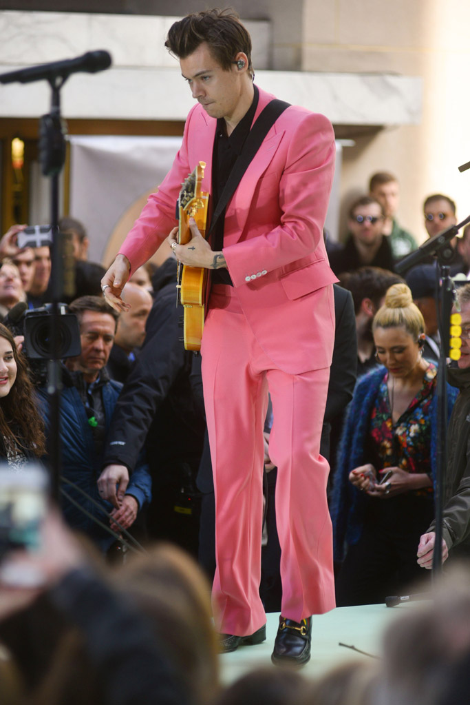 harry styles today show pink suit