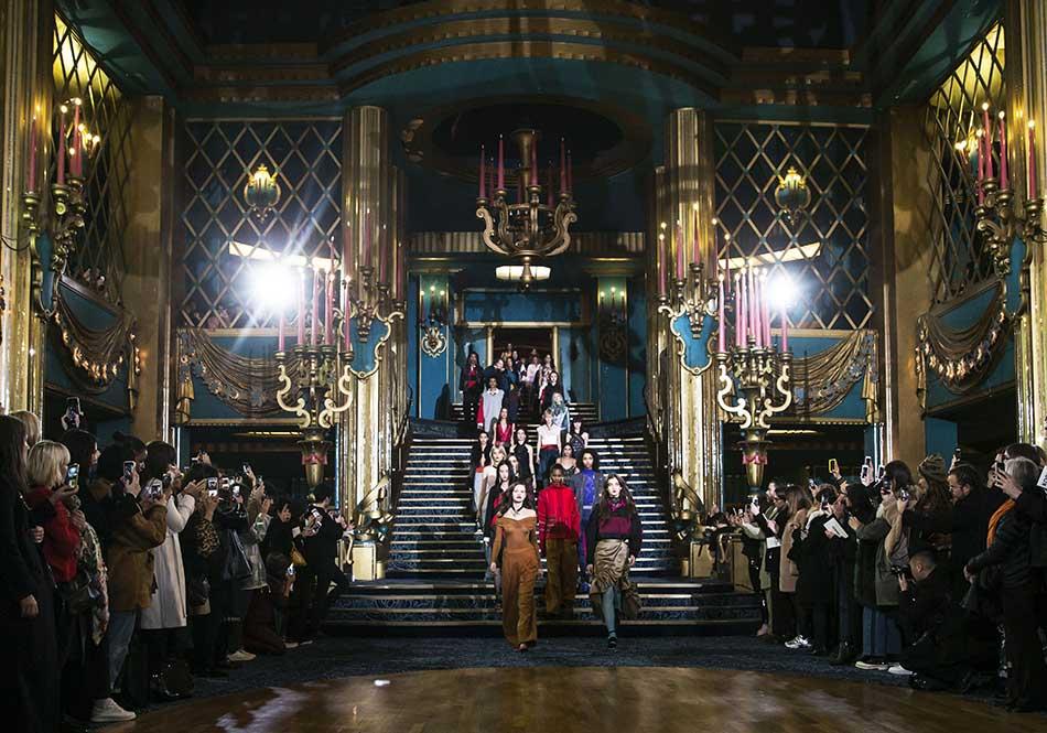 Koche fall '17 show in Moulin Rouge.