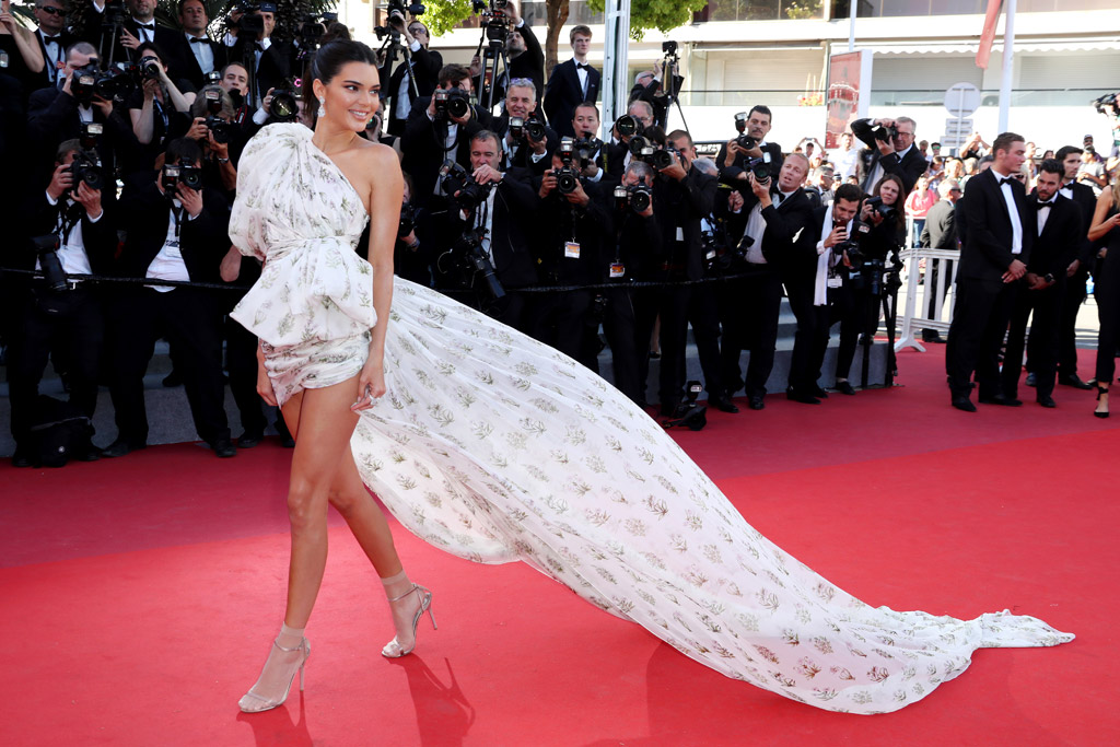 2017 Cannes Film Festival, kendall jenner, nude, feet, sandals, pantyhose, dress, red carpet, fashion, style