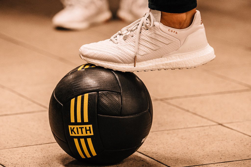 mordedura dignidad azúcar  The Complete Kith x Adidas Soccer Cobras and Flamingos Collections –  Footwear News