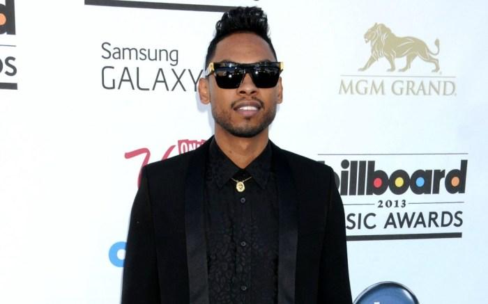 miguel billboard music awards jump