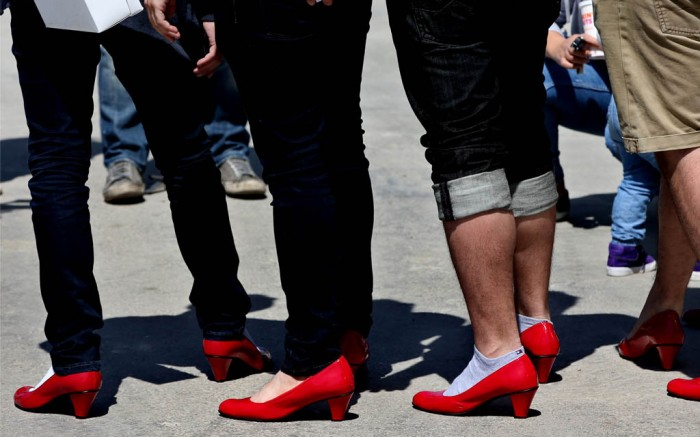 men wearing high heels